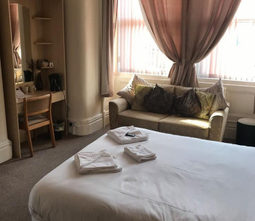Superior room with double bed with breakfast