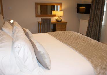 Marlfields - Super King En-suite Room (inc. Breakfast)