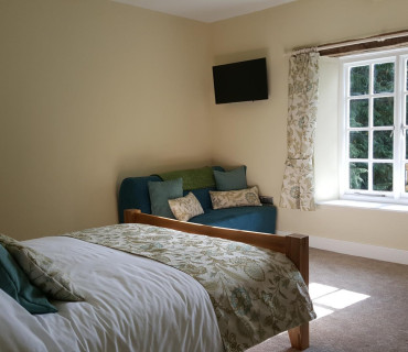 Y Llwchwr Triple Occupancy King En-suite (wet Room) Room Inc. Breakfast