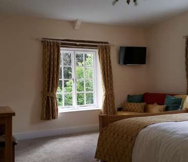 Y Fferws Single Occupancy King En-suite (bath/shower) Room inc. Breakfast