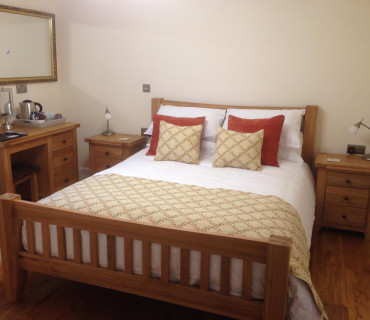 Y Cennen Single Occupancy King En-suite (Shower) Room inc. Breakfast