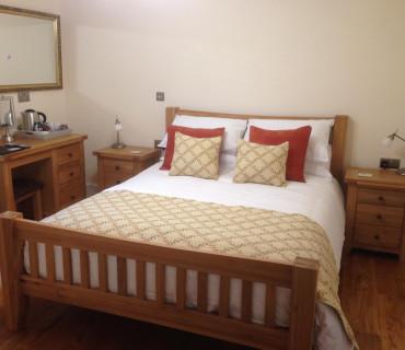 Y Cennen Single Occupancy King En-suite (Shower) Room inc. Breakfast