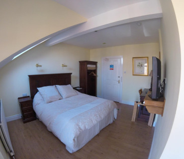 Single En-suite Room (Breakfast included)