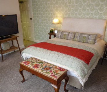 Double En-suite Room (inc. Breakfast) R5