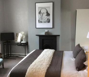 Double En-suite Room (inc. Breakfast )