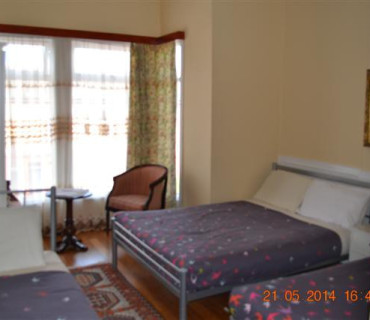 Triple Room with En-suite (inc. Breakfast)