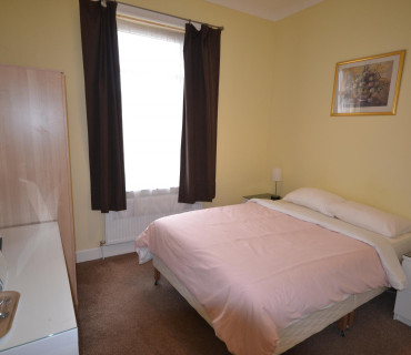 Double room with ensuite (inc. Breakfast) (6)