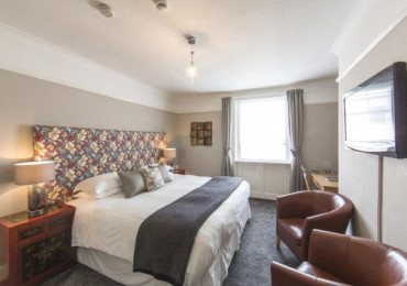 King-size Double En-suite Including Breakfast