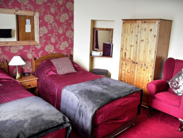 Single Occupancy of Twin Room (room Only) - Breakfast booked separately