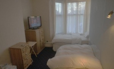 Single Occupancy Twin Room no breakfast (not en-suite)
