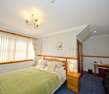 Wallace Double En-suite Room (inc. Breakfast)