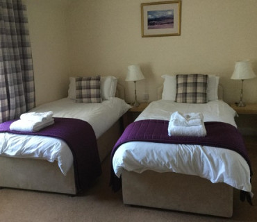 Twin En Suite Room