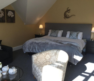 Superior En-suite Room (inc Breakfast) Room 6 Top Floor 2 Adults