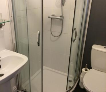 Twin En-suite Room Only