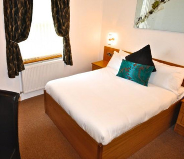 Standard Double En-suite Room (inc. Breakfast)
