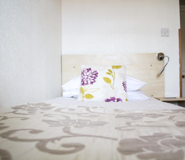 Single En-suite Room (inclusive of breakfast)