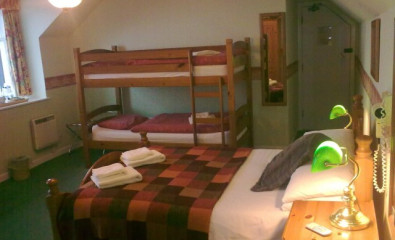 Loch View Quad En-suite Room (inc. Breakfast)