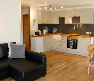 Self Catering Apartment/Suite (2 + 1 adults)