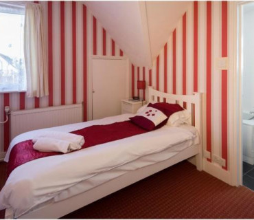 Single En-suite Room including Breakfast