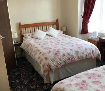 *Triple En-suite Room (inc. Breakfast)