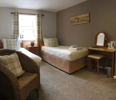 Twin En-suite; bed, breakfast and evening meal