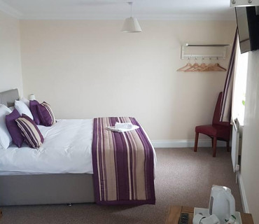Double En-suite Room (inc. Breakfast)