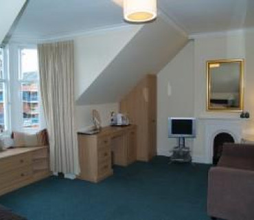 Room 5 - Large Double En-suite Room (inc. Breakfast)