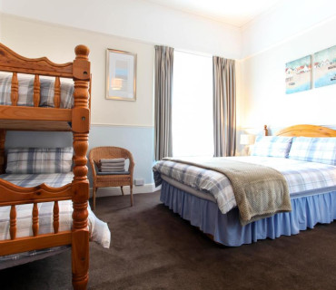 7 Nights Or More Offer - Family X 4 En-suite Room (inc. Breakfast) (2 Adults, 2 Children)