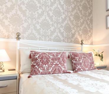 Single Occupancy Of Standard Double En-suite Room (inc Breakfast)