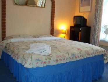 Double Room (inc. Breakfast) FREE Parking for daily stays