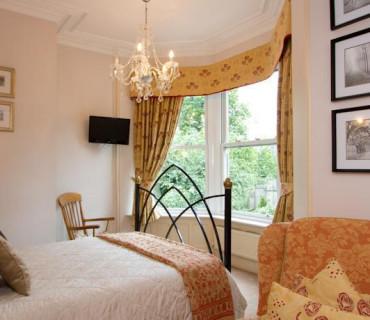 Superior Double En Suite Room (inc Breakfast)