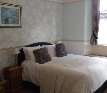 Room 9 - Double En-suite Room (inc Breakfast)