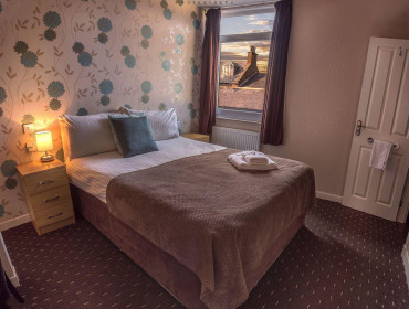 Cosy Double Room En-suite (inc. Breakfast)