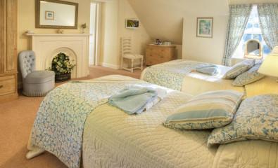 Family En-suite Room with shower (inc. Breakfast)