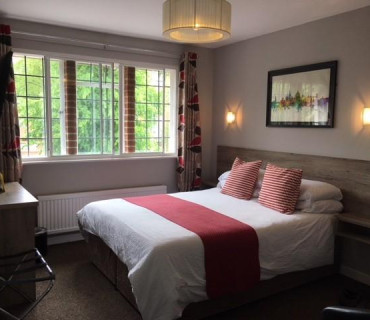 Superior Double Ensuite Room (inc. Breakfast)