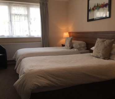 Superior Twin Ensuite Room (inc. Breakfast)