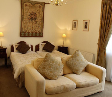 Deluxe Twin or Double En-suite Room (inc. Breakfast)