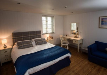 Family En-suite Room - 2 adults & 1 child 12 or under (inc. Breakfast)