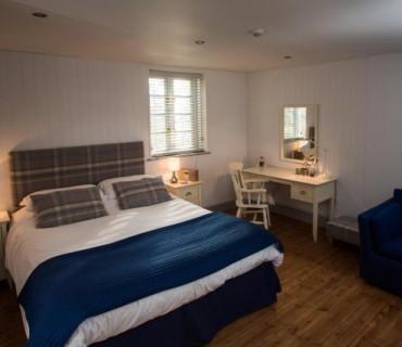 Double En-suite Room - 2 Adults (inc. Breakfast)