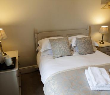 Small Double Room - En-suite
