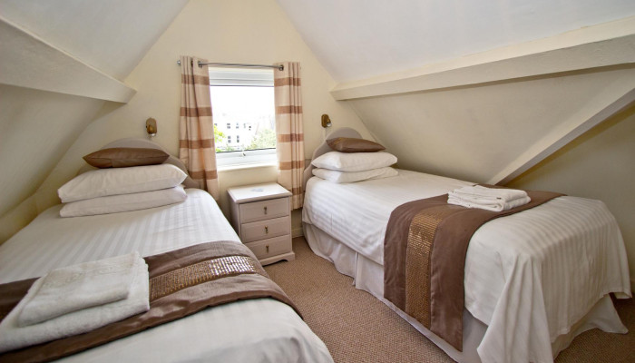 Twin Room - En-suite