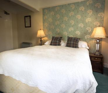 Double En-suite Room (Shower Only)