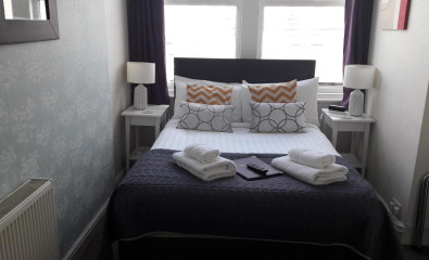 Ground Floor Double En-suite Room 2 adults (inc. Breakfast)