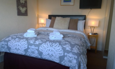 Second Floor Double En-suite Room 2 adults (inc. Breakfast)