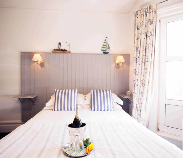 Deluxe Double Room (1 Adult) With Sea View (inc. Breakfast)