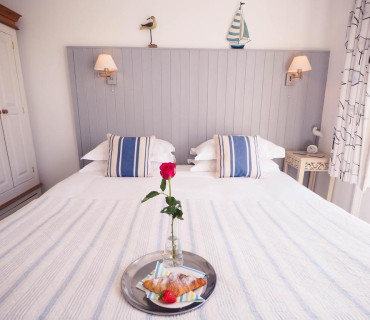 Double Or Twin Room (1 Adult) With Side Sea View (inc. Breakfast)