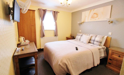 Double En-suite Room (inc. Breakfast) Second Floor