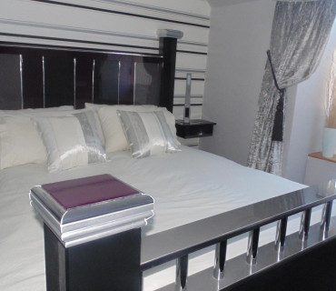 Deluxe King En-Suite Room