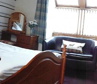 Deluxe King En-Suite Room