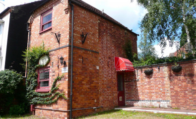 Upstairs Coach House- Double Bedded Room with En-suite Shower. 1st Floor. Max. 2 People